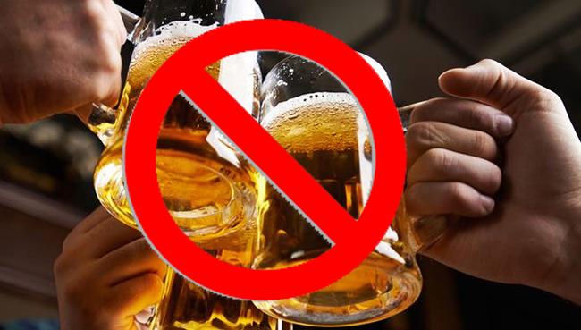 Nên hạn chế rượu bia để phòng ngừa ung thư đại tràng