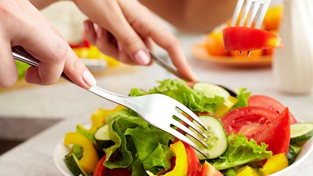 Chế độ ăn nhiều vitamin và dưỡng chất có lợi