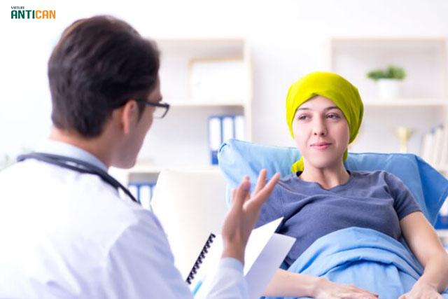 ai nên dùng Vietlife Antican - bệnh nhân đang gặp vấn đề ung bướu